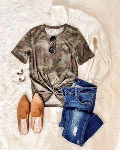 Camo tee look. Cream Cardigan Outfit, Camo Shirt Outfit, Camo Cardigan, Fall Winter Outfits, Autumn Winter Fashion, Spring Outfits, Winter Wear, Fall Fashion, Womens Fashion