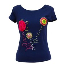 Camiseta Flores Silvestres - Color, fantasía y contrastes en esta camiseta de diseño de Salero Fashion.