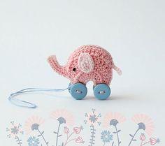 Доброго времени суток, друзья!   Где баобабы вышли на склон, Жил на поляне розовый слон....  Да, да это он!   #handmade #crochetdoll #knitstagram #крючком #игрушка #collectiondoll #розовыйслон #слонтрисполовинойсм #miniature #миниатюра