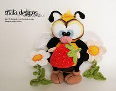 Häkelanleitungen - Bienen mit Erdbeeren - Gesamtanleitung - ein Designerstück von Mala-Designs bei DaWanda