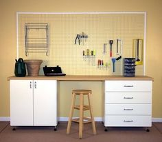 Workbench with Coordinating Pegboard