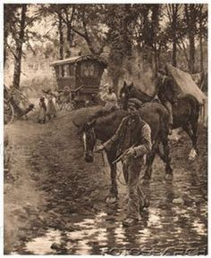 Who are the Gypsies and where did they come from? The Roma or Romani people have long lived the Gypsy life. This article gives us a glimpse at the history of the Gypsies, who are not Egyptians at all. Gypsy Trailer, Gypsy Caravan, Gypsy Wagon, Bohemian Gypsy, Gypsy Style, Hippie Style, Bohemian Clothing, Cirque Vintage, Gypsy People