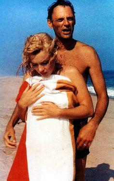 Marilyn Monroe and Arthur Miller on the beach, 1957