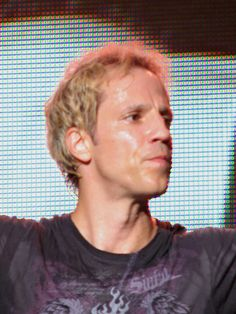 Gary Cherone (July American singer, o. known from the bands Extreme and Van Halen. Brad Delp, Gary Cherone, Rock Groups, Latest Albums, Van Halen, American Singers, Bands, Celebrities, Rockers