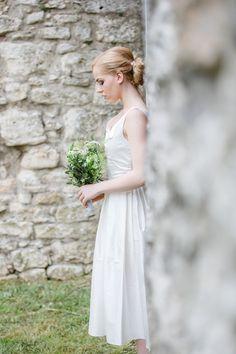 #Frühlingshochzeit im #Schloss #Mailberg Girls Dresses, Flower Girl Dresses, Wedding Dresses, Flowers, Fashion, Dresses Of Girls, Bride Dresses, Moda, Bridal Gowns