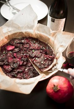 Raw or cooked, red beet with gingerbread spices is sooo awsome! http://www.kitchenchameleon.com/2012/12/piparin-makuinen-punajuuripiiras-raw.html  IMG_8965, via Flickr.