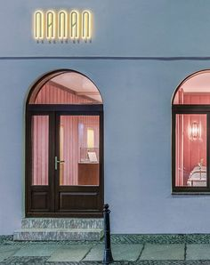 this is quickly becoming a column about the world's cutest pink restaurants — but hey, we don't set the trends, we just indulge in them! nanan patisserie in wroclaw, poland is possibly the sweetest of them all, its interiors are inspired by an éclair, for goodness sakes! this blushing dream of a place, designed by …