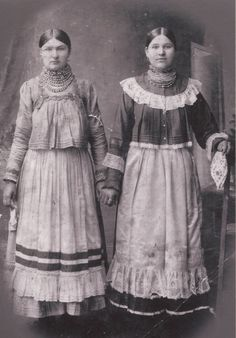 Russian Traditional Dress, Traditional Dresses, Russian Style, Folk Costume, Costume Dress, Costumes, Vintage Photographs, Vintage Photos, Russian Folk