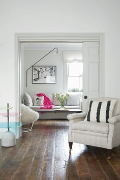 Discover real homes on HOUSE by House & Garden including this Edwardian flat in London designed by Harriet Anstruther - March 09 2019 at My Living Room, Living Room Decor, Living Spaces, Small Room Bedroom, Small Rooms, Spare Room, Bedroom Ideas, Sliding Pocket Doors, Double Doors