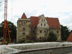 Замок Гюлау – #Польша #Нижнесилезское_воеводство #Немча (#PL_DS) Отреставрирован и открыт как гостиница.  ↳ http://ru.esosedi.org/PL/DS/1000443546/zamok_gyulau/