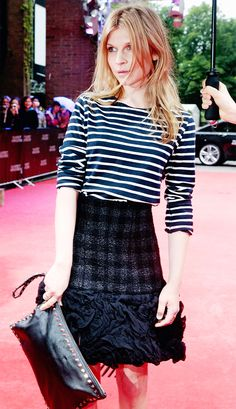 Styling 101: trumpet skirt, stripes and a clutch - Clemence Poesy