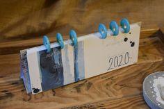 Tischkalender 2020, Handgemachte Papeterie, Unikate Produktion, Kalender, Zürcher Oberland, Schweiz, handmade, Papier, Papierliebe, Papeteria, Triangle, Paper Mill, Paper, Bookmarks, Switzerland, Cards