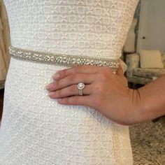 Sparkle! xoxo | #engagementring #xoxo #moderntroussau #weddingdress #weddinggown | via Carly is Inspired