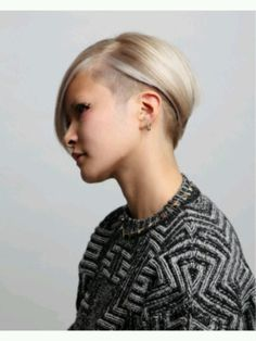 Short hair - great undercut style!