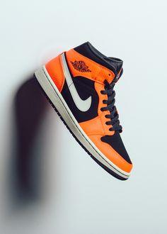 meet fd2b0 3c352 This Air Jordan 1 Is a  Shattered Backboard … - Sneaker Freaker