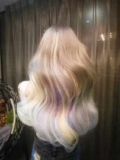 Blonde Hair with Purple Cabelo 3c 4a, Pretty Hair Color, Hair Dye Colors, Hair Color Streaks, Dye My Hair, Aesthetic Hair, Pastel Hair, Gorgeous Hair, Pretty Hairstyles
