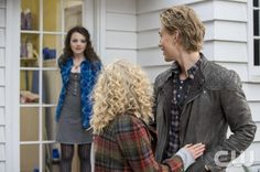 """The Carrie Diaries -- """"Under Pressure"""" -- Image Number: CD209a_037b.jpg -- Pictured (L-R): Stefania Owen as Dorrit, AnnaSophia Robb as Carrie and Austin Butler as Sebastian -- Photo: David Giesbrecht/The CW -- © 2013 The CW Network, LLC. All rights reserved."""