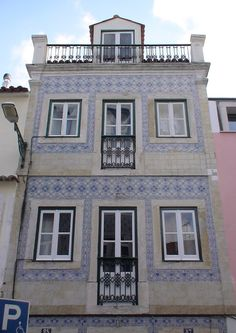 Rua do Embaixador - Lisboa