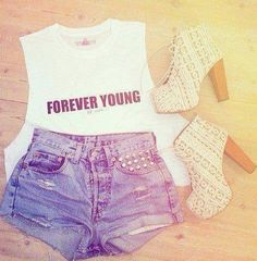 Teen fashion, the outfit is cute but I don't really like the shoes Want want want!!!!!!!!!!!!!!!!!! Sooooooooo bad!!!!!!