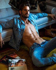 Seductive Pose, Sexy Gay Men, Barefoot Men, Italian Men, Talent Management, Male Photography, Denim Jeans Men, Fine Men, Male Beauty