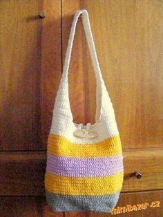 Inspiraci a návod jsem našla na Picasaweb.Google.com. Původní návod jsem si upravila. Materiá... Loom Knitting, Burlap, Reusable Tote Bags, Crochet, Handmade, Halo, Google Search, Purses, Handbags