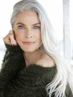 SILVER - Model Management - Paris - Roxanne Gould