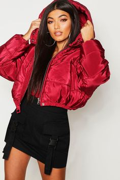 Womens Crop Hooded Puffer Jacket red - Women Puffer Jackets - Ideas of Women Puffer Jackets Puffer Jacket With Fur, Puffy Jacket, Winter Jackets Women, Coats For Women, Bubble Jacket Outfit, Poses, Cute Swag Outfits, Fashion Outfits, Clothes