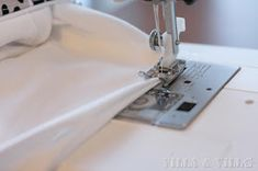 Villa ja Villa: DIY meikkipussi tai pussukka (versio 2) Diy Bags Purses, Villa, Sewing, Home Crafts, Homemade, Dressmaking, Couture, Stitching, Sew