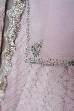 Embroidery On Kurtis, Kurti Embroidery Design, Embroidery Sampler, Embroidery On Clothes, Beaded Embroidery, Hand Embroidery, Silk Kurti Designs, Sharara Designs, Designer Party Wear Dresses