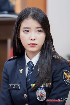 Entry from S. Pretty Asian Girl, Beautiful Asian Women, Police Uniforms, Girls Uniforms, Japanese Beauty, Asian Beauty, The Rok, Women Ties, Female Soldier