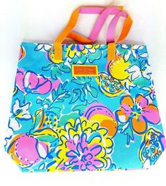 Lilly Pulitzer for Estee Lauder Beach Tote Floral & Fruit New W/O Tag Blue Pink Cute Tote Bags, Beach Tote Bags, Canvas Tote Bags, Tropical Fabric, Makeup Bag Organization, Pink Brand, Purses For Sale, Green Bag, Estee Lauder