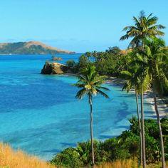 Beautiful Fiji is made up of more than 332 islands. http://instagram.com/p/XnjlrGhPbs/