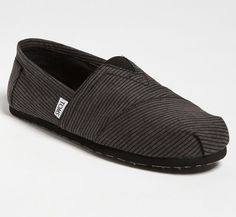 TOMS for Men- I think these could look great with a laid back/cozy look