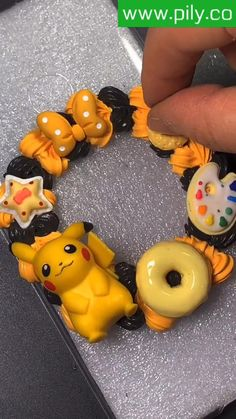Diy Phone Case, Cute Phone Cases, Toy Craft, Craft Kits, Clay Christmas Decorations, Resin Art Supplies, Disney Diy Crafts, Diy Glasses, Diy Tumblers