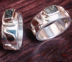 Wedding Rings. Anillos de Boda.  Silver & Gold  Stone: Moldavite
