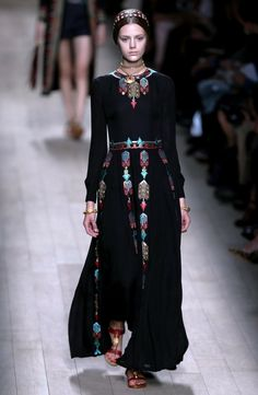 Valentino 2014:  I might be able to get into this retro look:  Edwardian/Deco/Renaissance revival..  May take Valentino to do it!