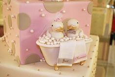 Rubber duck wedding cake - with cute engagement story