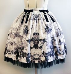 Hey, I found this really awesome Etsy listing at https://www.etsy.com/listing/170853137/rose-printed-velour-skirt-for-lolita