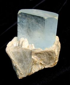 Exceptional Aquamarine Crystal - The Mineral and Gemstone Kingdom