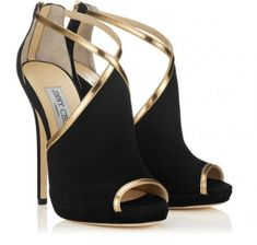 Fashion high heels. #jimmychooheelsblack #jimmychoowedges
