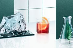 Stuart Miller for Oxley Gin // Drinks Photography and Styling Photo Food, London Dry Gin, Food Photography Styling, Product Photography, Bath Caddy, Whisky, Drinks, Cigars, Staging