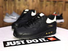 sports shoes c3bc0 fc4dd Acheter Nike Air Max 90 Black Gold Hommes Chaussures de course