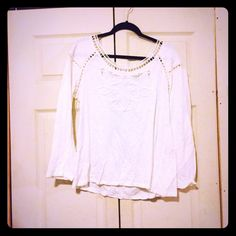 Boutique blouse White in color. Boutique blouse with knit details. Availability : large (1) Tops Blouses