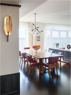 Shawn Henderson Is An AD 100 Featured Interior Designer Known For Creating Posh Laid Back Interiors Here Are Our Favorite Dining Room Ideas By This