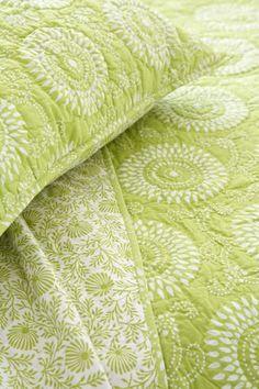 Uma Resist Lime Quilt & Sham | green