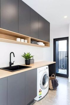 Laundry Room Organization Space Saving Ideas For Functional Small Laundry Room Design. Laundry Inspo - Hope Me. Home Design Ideas Modern Laundry Rooms, Laundry In Bathroom, Basement Laundry, Laundry Area, Laundry Room Counter, Laundry Decor, Laundry Tips, Modern Room, Küchen Design