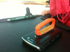 Make an assistive handle for holding a blackberry / gurus | things hacked better