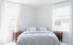 Very smart use of space, placing bed diagonally in the corner. - sublime-decor