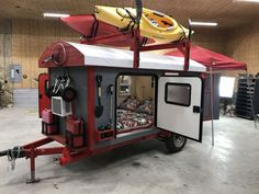 For the individuals who love endeavors and trekking, a camper trailer can add to your joys. Mulling over the benefits supplied by camper trailers, the Camper Trailer Tent, Small Camper Trailers, Kayak Trailer, Tiny Camper, Small Campers, Airstream Trailers, Cargo Trailers, Truck Camper, Travel Trailers