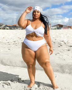 Thick Girl Fashion, Curvy Women Fashion, Ssbbw, Bellisima, Beauty Women, Plus Size, Clothes For Women, Lady, Bikinis
